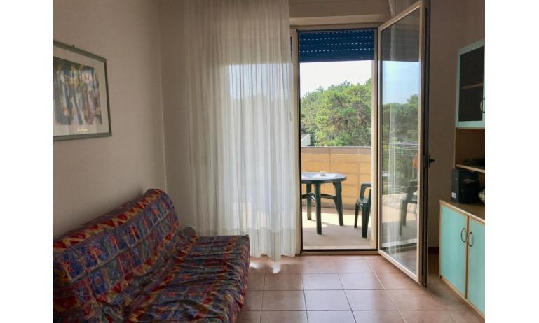 residence LIDO DEL SOLE: B5 - divano letto doppio (esempio)