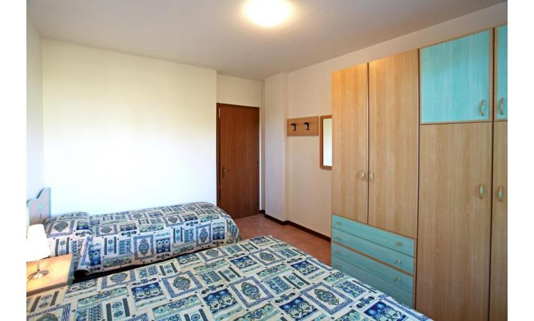 residence LIDO DEL SOLE: B5 - camera tripla (esempio)