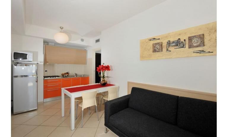 aparthotel ASHANTI: B4 Sud - angolo cottura (esempio)