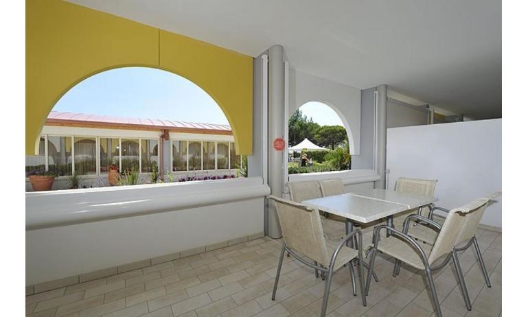 aparthotel ASHANTI: B4 Sud - balcone (esempio)