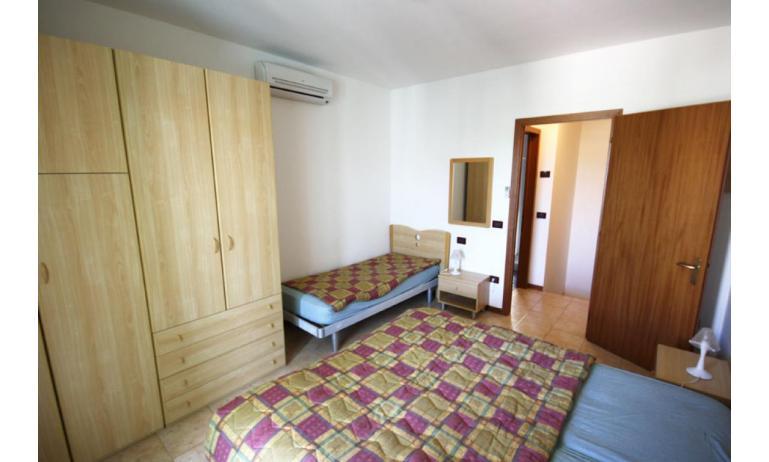 residence LIDO DEL SOLE: B5/V - camera tripla (esempio)