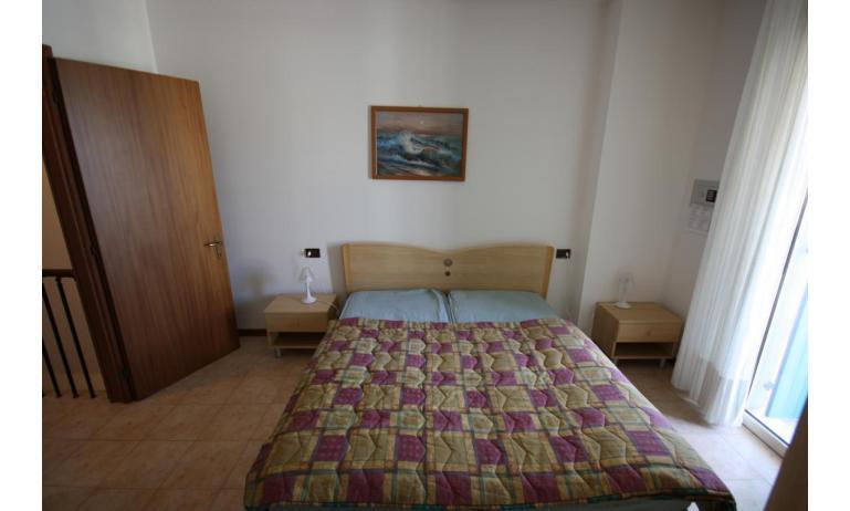 residence LIDO DEL SOLE: B5/V - letto matrimoniale (esempio)