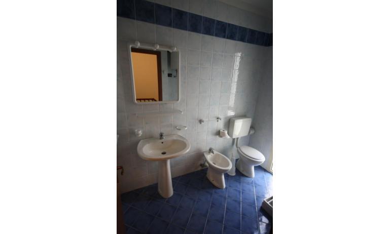 residence LIDO DEL SOLE: B5/V - bagno (esempio)