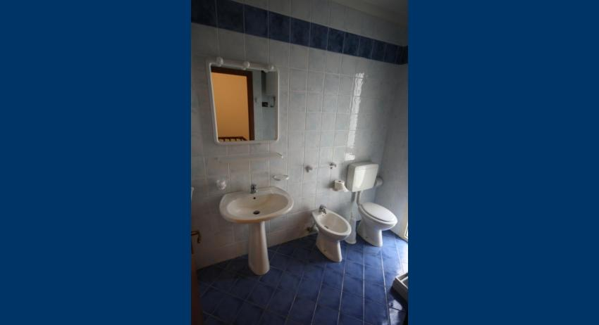 B5 V - bathroom (example)