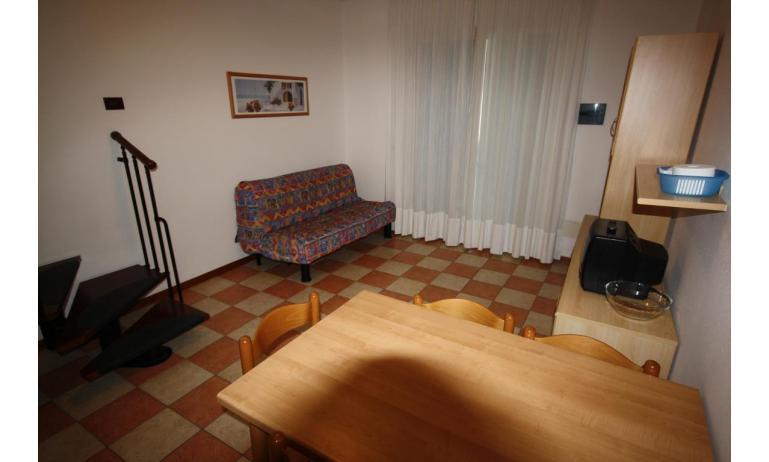 residence LIDO DEL SOLE: B5/V - soggiorno (esempio)