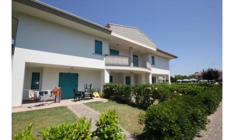 residence LIDO DEL SOLE: B5/V - giardino (esempio)