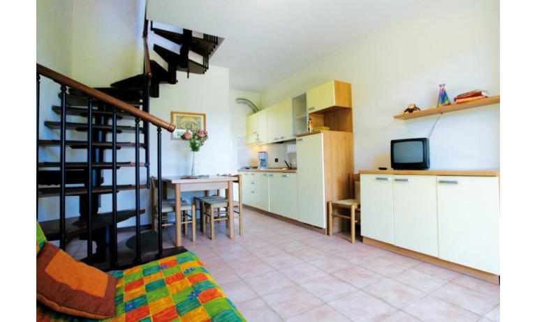 residence LIDO DEL SOLE: B5/V - divano letto doppio (esempio)