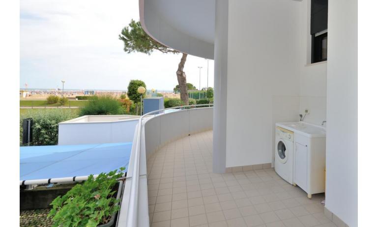 residence LUXOR: C6/F+ - balcone (esempio)