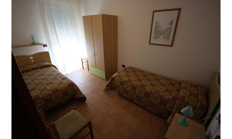 residence LIDO DEL SOLE: C7 - camera doppia (esempio)