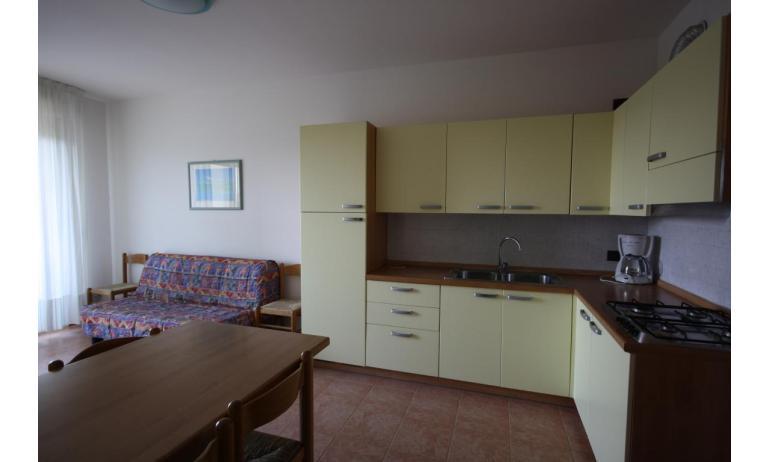 residence LIDO DEL SOLE: C7 - cucina (esempio)