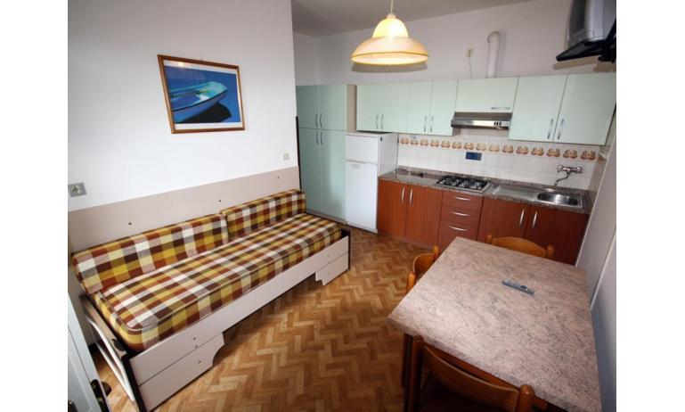 villaggio MICHELANGELO: B4 - soggiorno (esempio)
