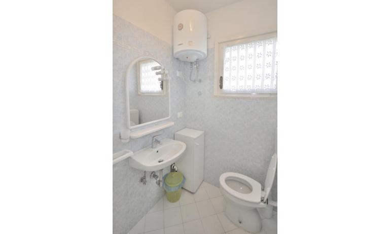 appartamenti VILLAGGIO MICHELANGELO: B4 - bagno (esempio)