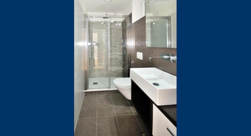 C6 - Badezimmer (Beispiel)
