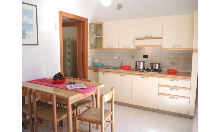 residence LIA: B5 - angolo cottura (esempio)