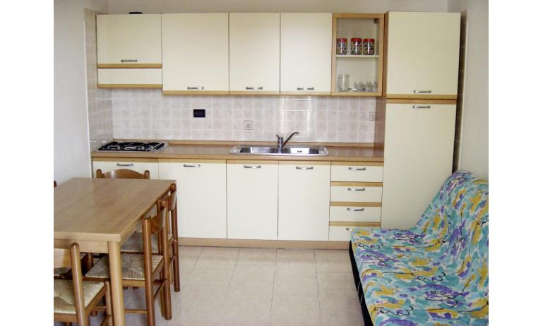 residence LIA: B5 - cucina (esempio)